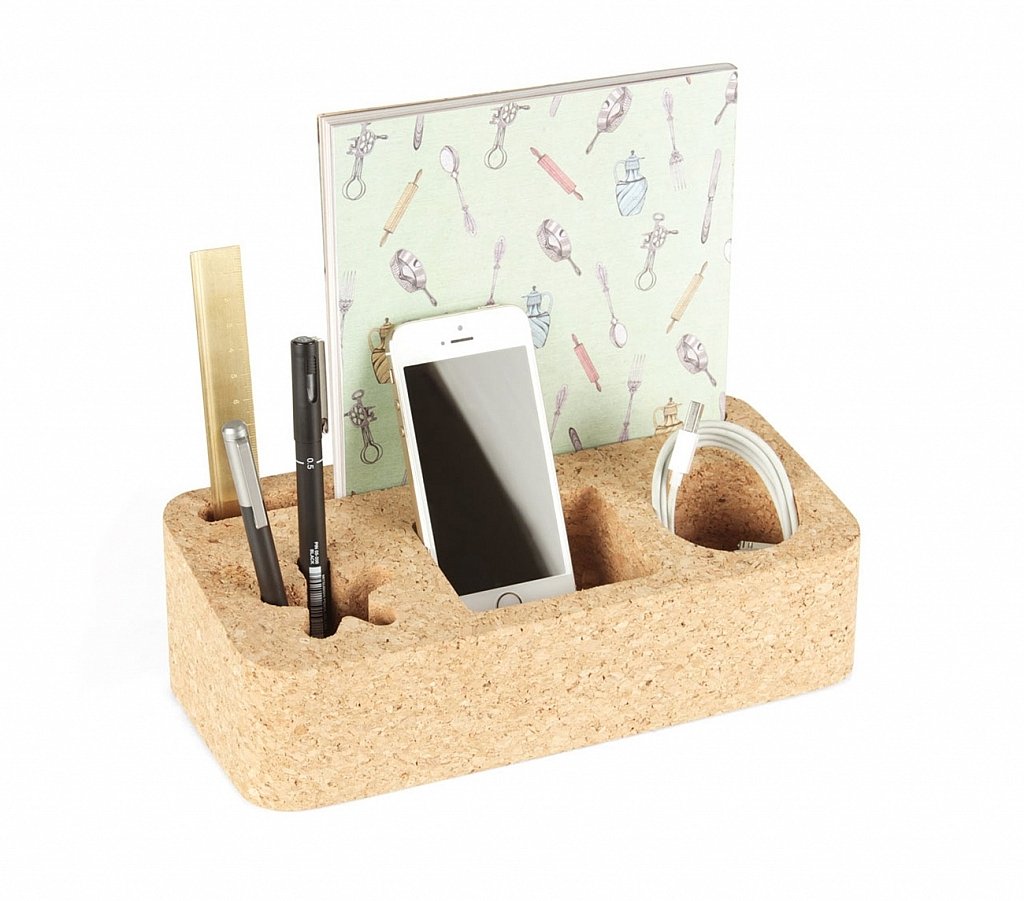 practical-and-attractive-desk-set-from-universal-expert-9-1024x901.jpg