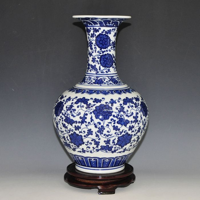 Chinese-blue-and-white-antique-porcelain-vases-modern-reproduction.jpg