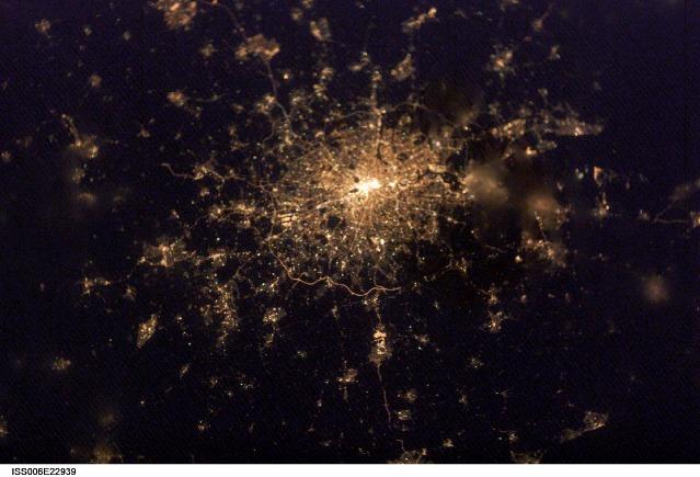 london at night.JPG
