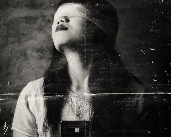black-and-white-blindfold-creepy-eerie-Favim.com-1210468.jpg