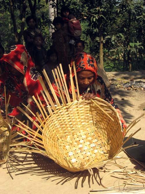 FrontLines June 2011_B_Bangladesh_2.jpg