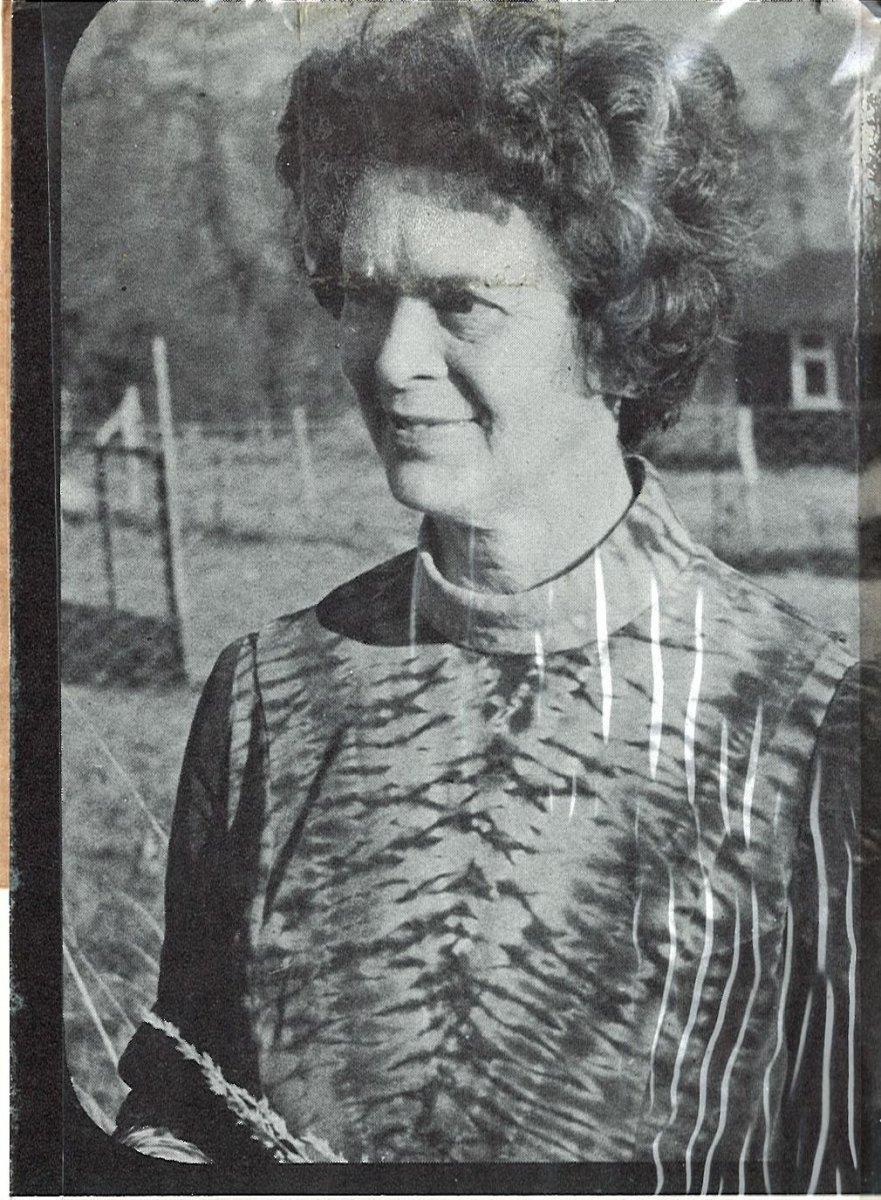 Anne Maile .1.jpg