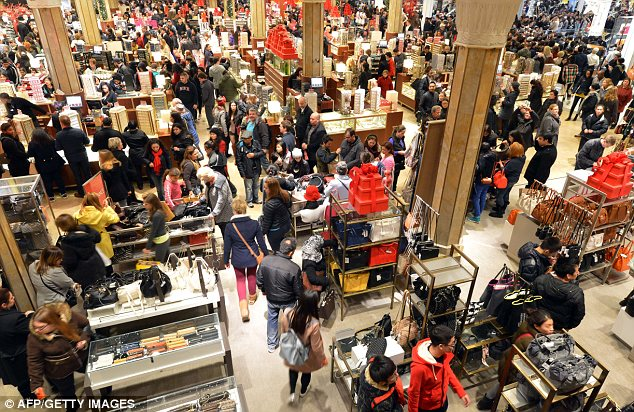black friday in MAnhattan- daily mail:google images.jpg