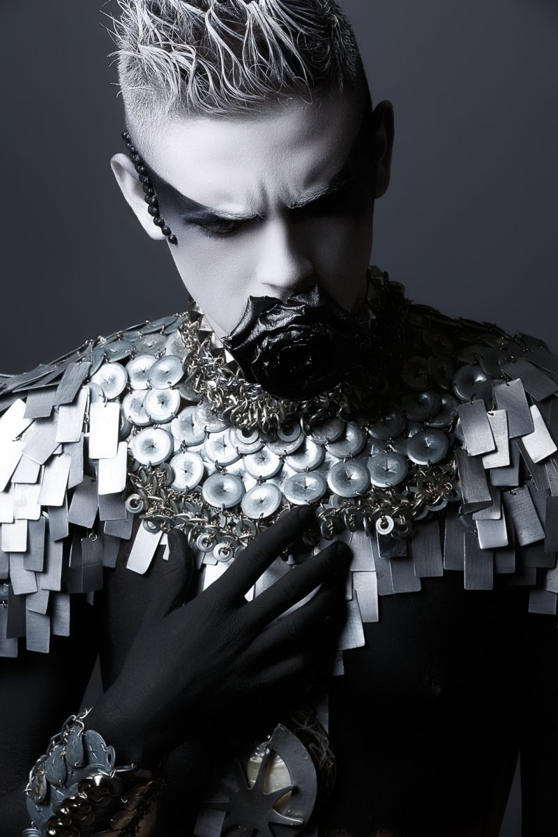 Pascal-Latil-Nicolas-Fournier-hair-Chantal-Faure-makeup-Aline-Carpentier-wardrobe-jewelry-Martine-Brun.jpg