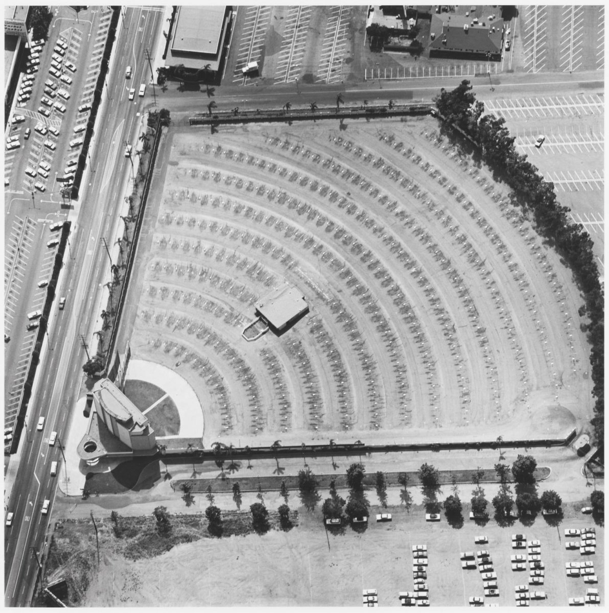 Gilmore Drive-in Theatre, 6201 W. 3rd St., Edward Ruscha, 1967 and printed 1999.jpg