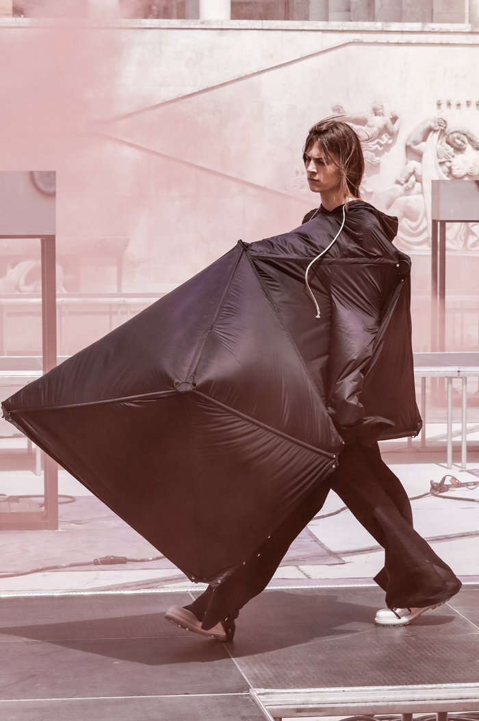 collections_cover_Rick_Owens_SS19_Men_look_39.jpg
