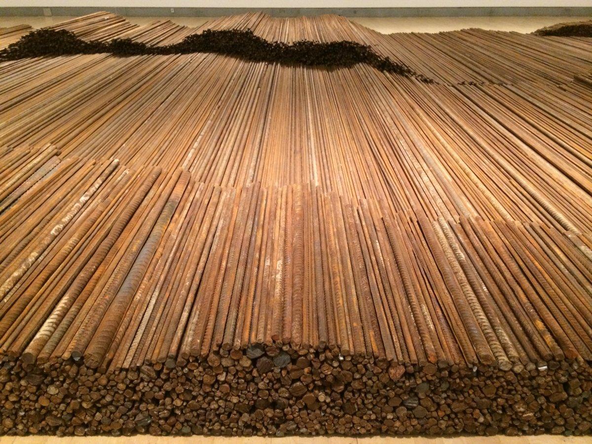 Ai-Weiwei-–-Straight-2008-2012-steel-reinforcing-bars-600-x-1200-cm-Brooklyn-Art-Museum-.jpg