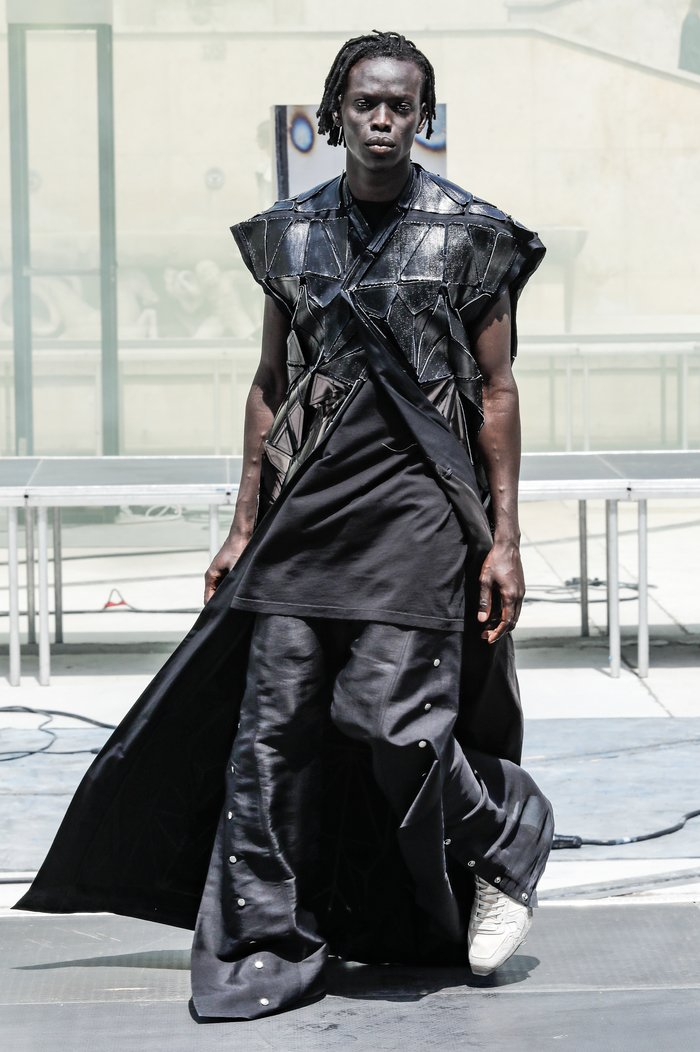collections_cover_Rick_Owens_SS19_Men_look_22.jpg