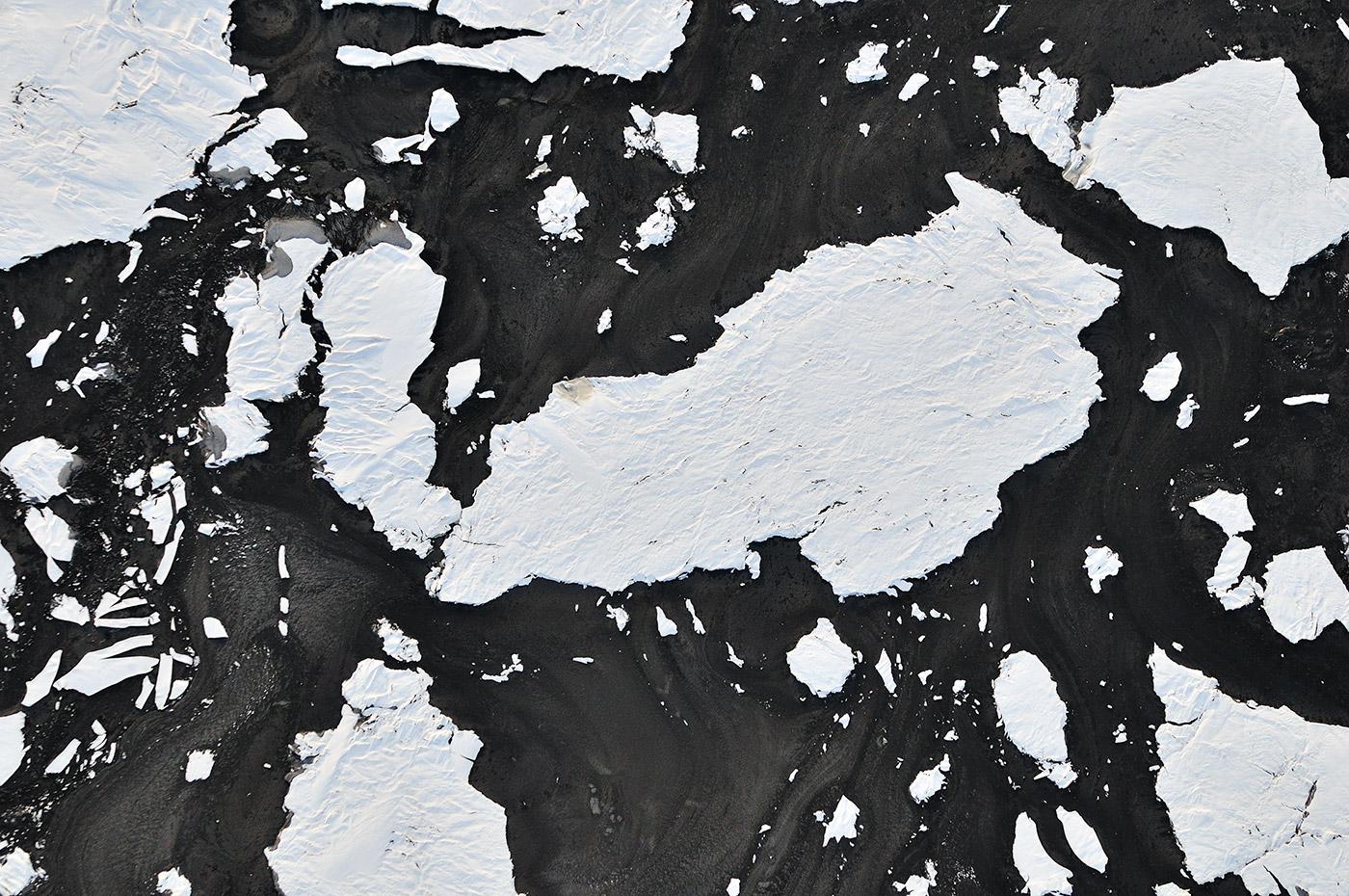 Frozen-Snow-Floes-in-Bitumen-F0030170-Louis-Helbig-Alberta-Oil-Tar-Sands.jpg.1