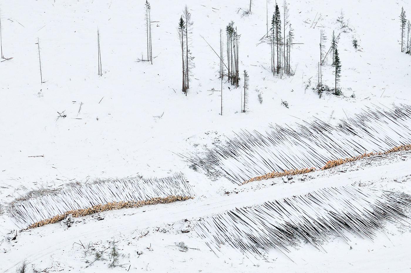 Winter-Logging-F0030533-Louis-Helbig-Alberta-Oil-Tar-Sands.jpg.1