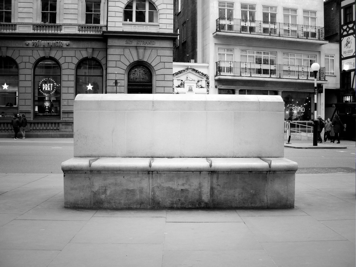 Royal Courts of Justice Bench.jpg