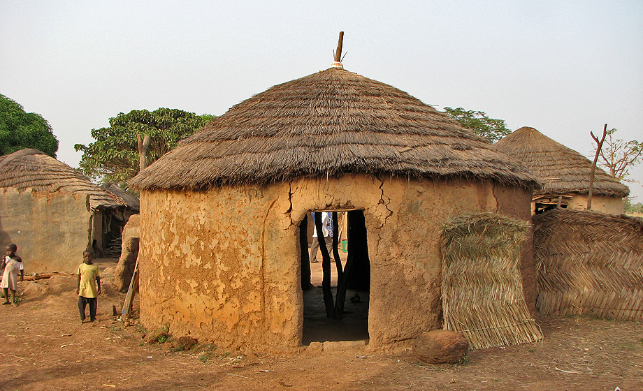 Mud-House-One-of-many-Ghanaian-houses.jpg