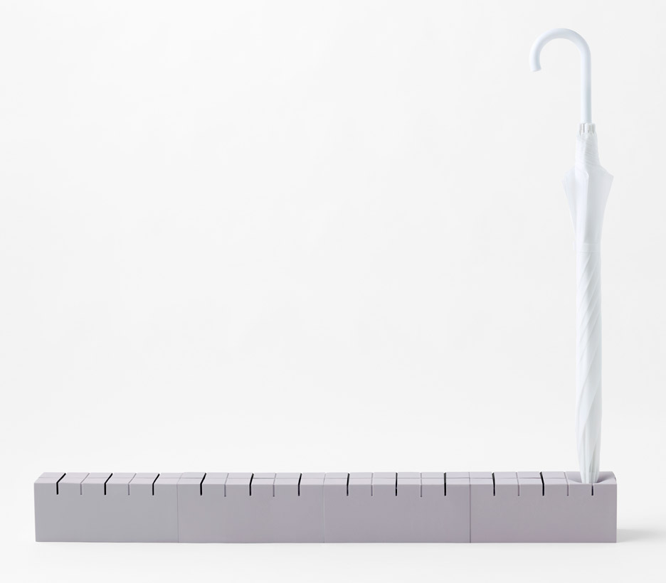 Meji-umbrella-stand_Nendo_product_design_cube_akihiro_yoshida_dezeen_936_5.jpg