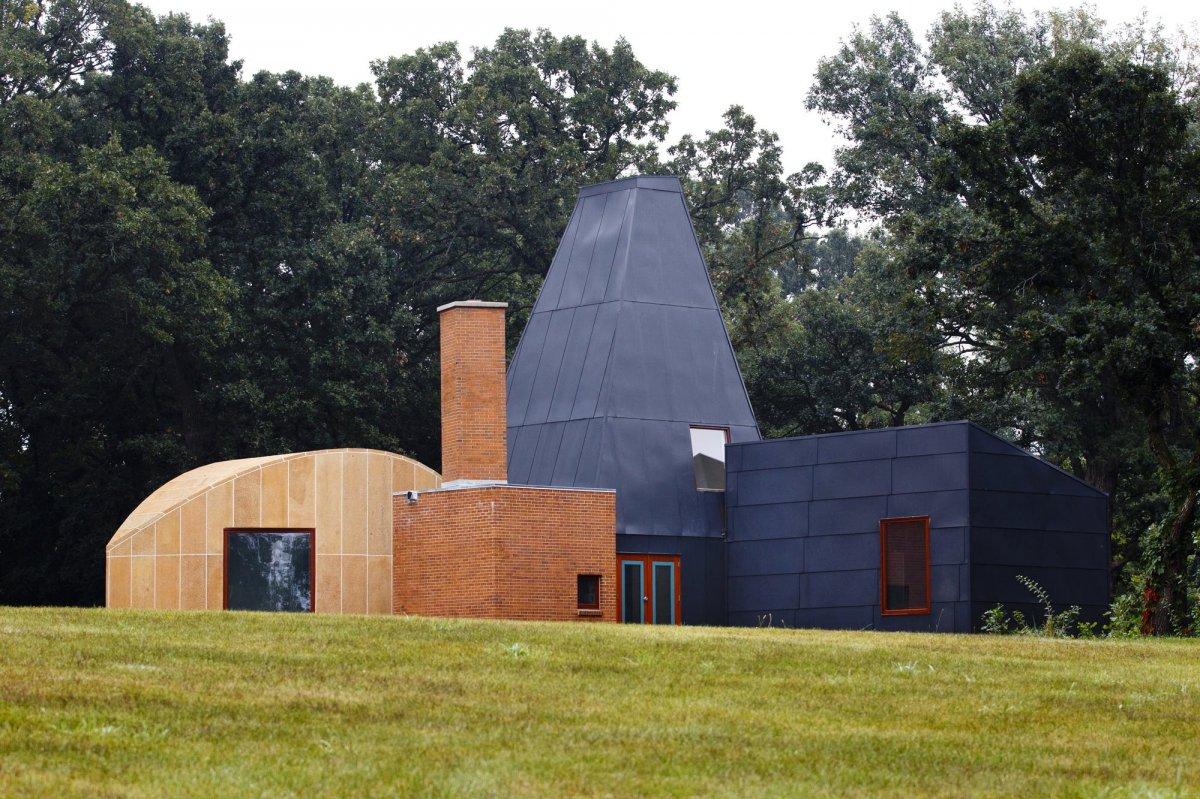 Frank Gehry wynton Guest house.jpg