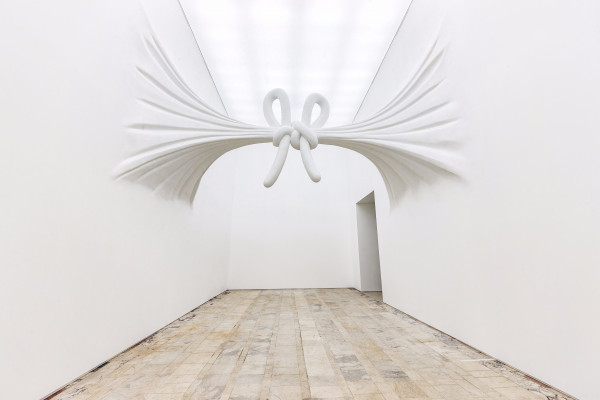 daniel_arsham_view-of-the-exhibition-moving-architecture-at-vdnh-moscow-russia-2017_h200__204440@2x.jpg