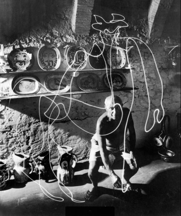PICASSO-LIGHT-DRAWINGS-12.jpeg