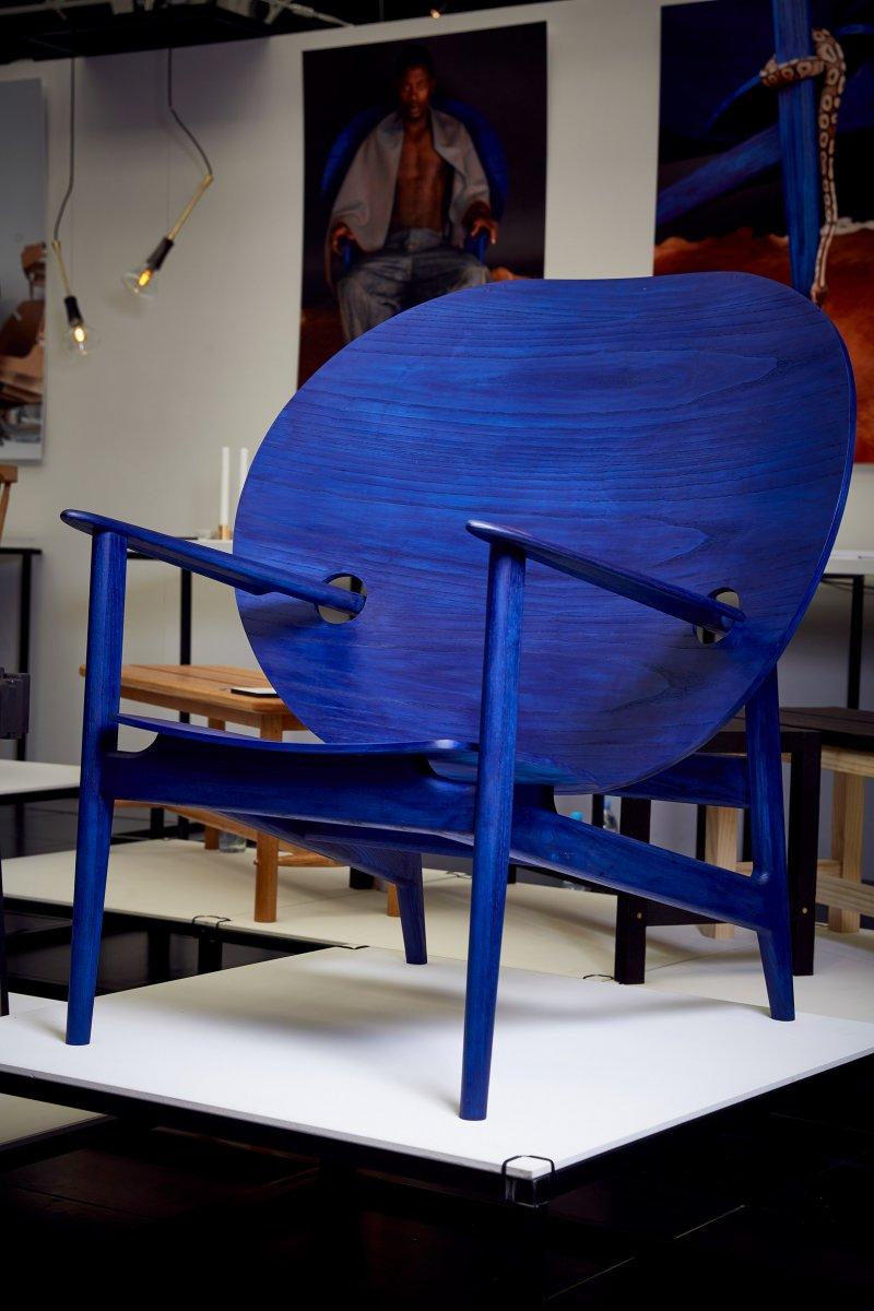 afrofuturist-chair-mac-collins-northumbria-university-graduate-furniture-design_dezeen_2364_col_18.jpg