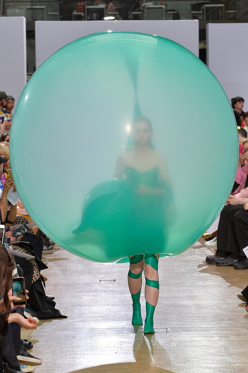 Bubble-clothes_dezeen_2364_col_0.jpg.1
