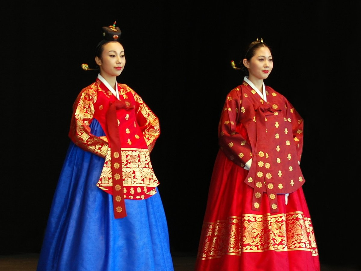 Korean_costume-Hanbok-Dangui-Seuranchima-01.jpg