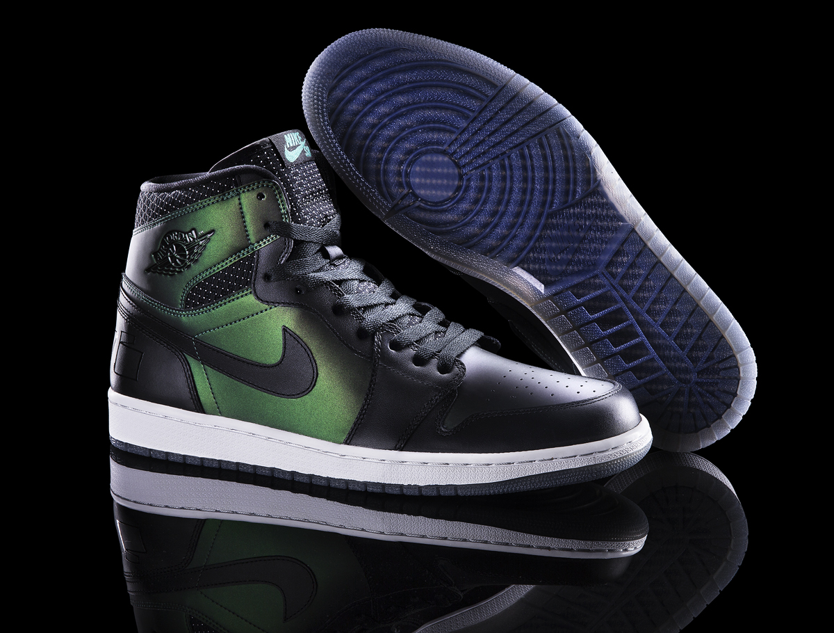 Nike_SB_Air_Jordan1_pair_original.jpg