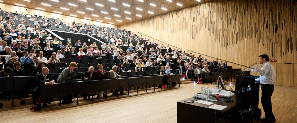 lecture-room.png