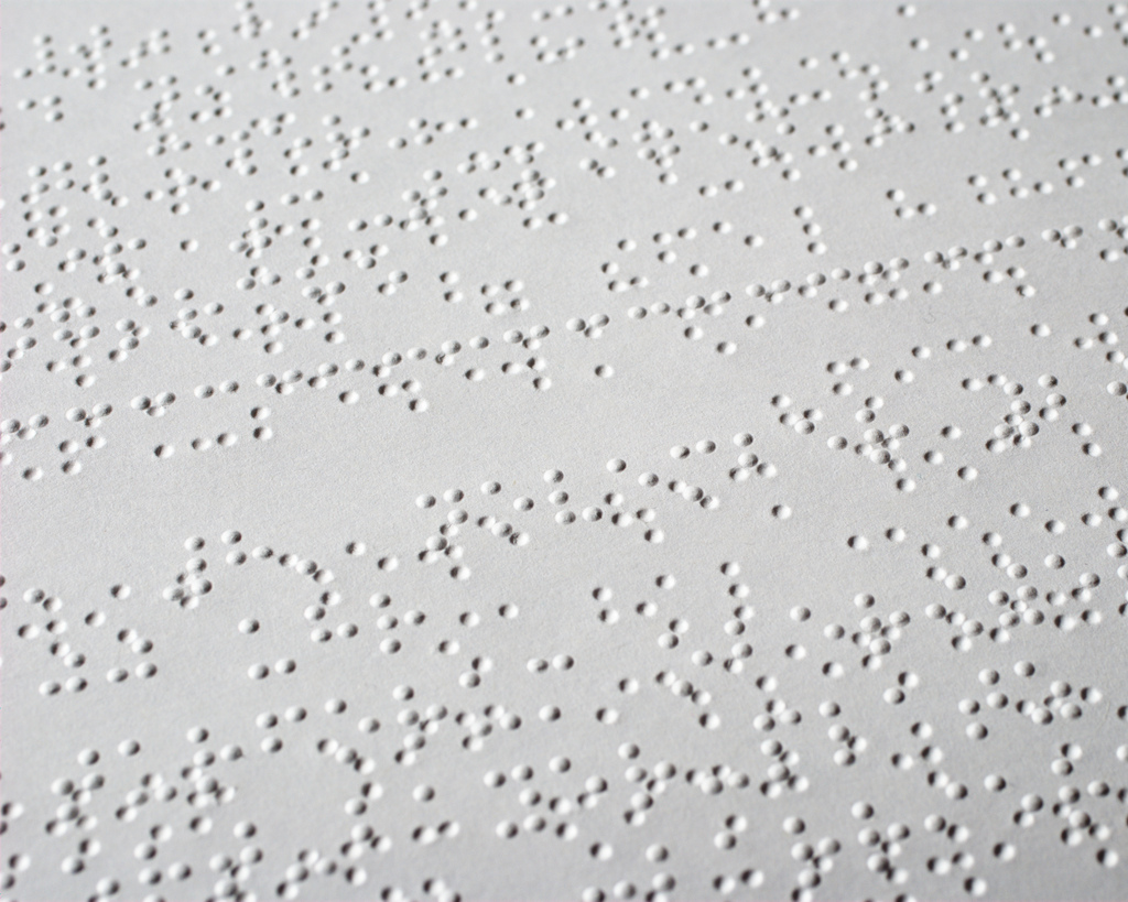 Braille_closeup.jpg
